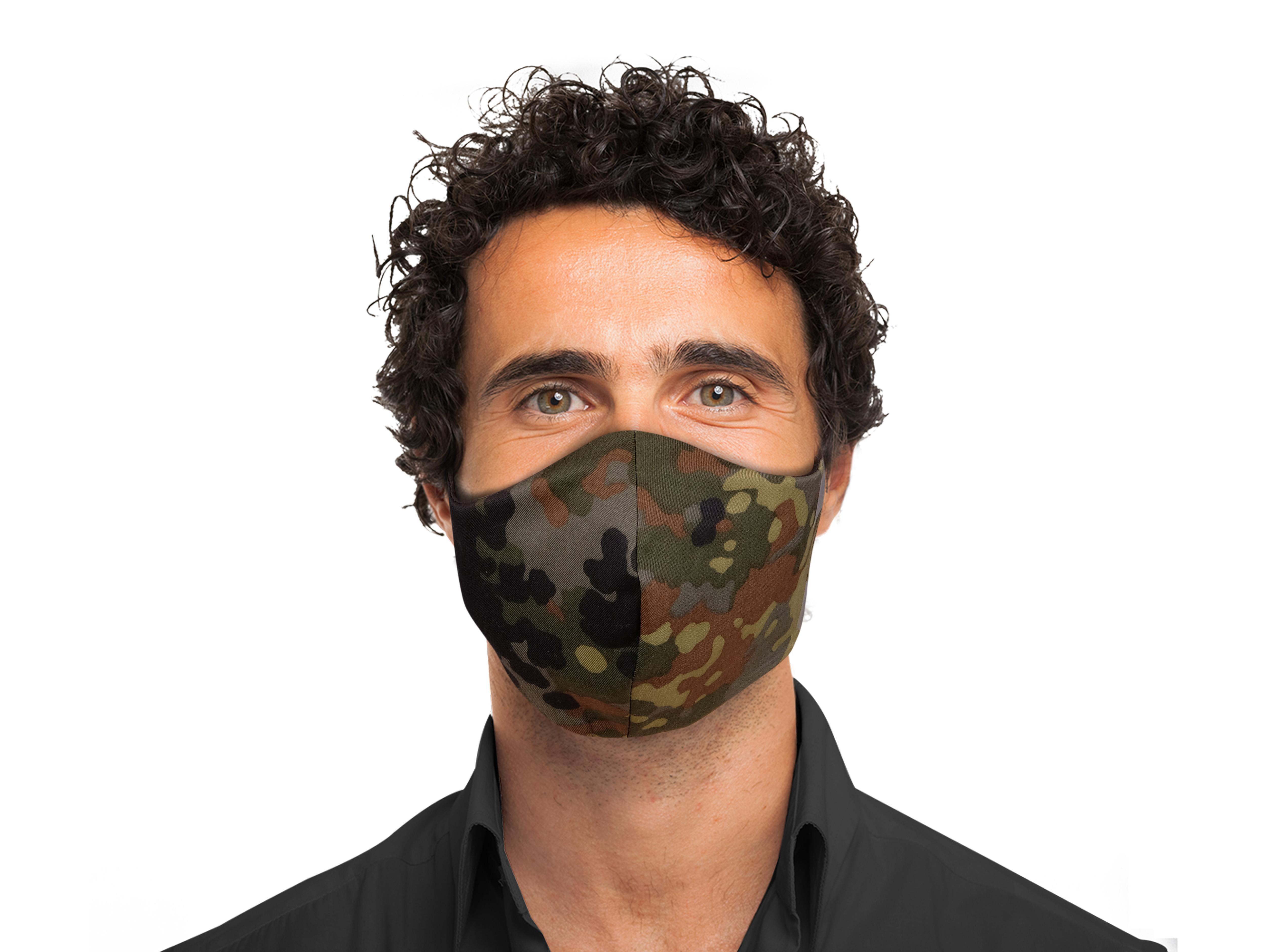 Stoffmaske mit Camouflage-Muster